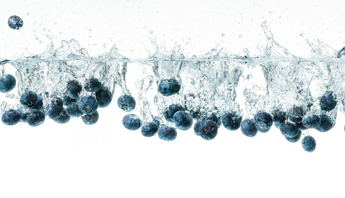 WHAT AN ANTIOXIDANT IS & HOW TO GET A NATURAL BOOST